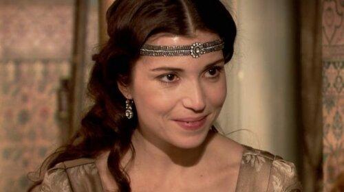 Хитрый взгляд и острый нос: какой на самом деле была любимая сестра Сулеймана Хатидже