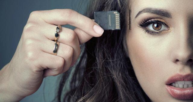 cyborg-memory-chip-woman