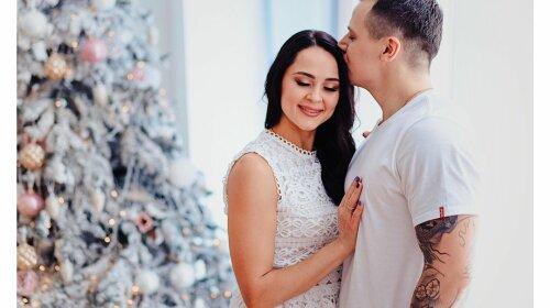 В Украине муж скончавшейся после родов супруги написал письмо Илону Маску: о чем он его попросил