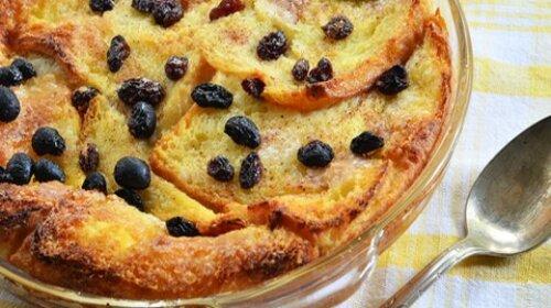 Що можна приготувати з черствих пасок: ТОП-3 смачних десертів