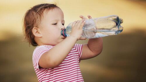 Відомий педіатр розповів, чому газована вода не настільки небезпечна, як багато хто вважає
