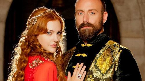 """Теперь ясно, почему султан Сулейман влюбился в нее: звезда """"Великолепного века"""" Мерьем Узерли восхитила своей внешностью"""