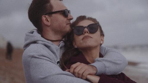 С чистого листа: Ассоль сменила псевдоним и выпустила новый клип