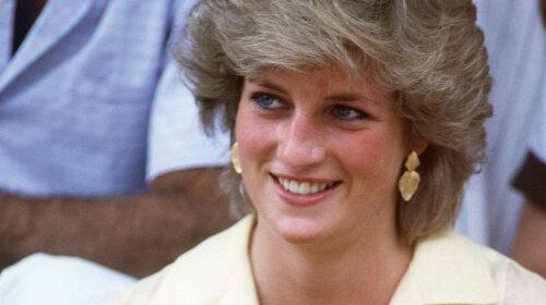 Рідкісні фотографії принцеси Діани в купальнику: такий її бачили тільки близькі люди: принц Чарльз, коханці і діти