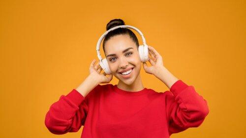 Доказано наукой: врач назвал ТОП-10 песен, которые делают людей счастливыми (ВИДЕО)