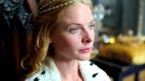Покорила сердце короля: как выглядела самая красивая девушка Средневековья