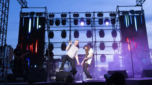Разрыв шаблона: в Киеве состоялся первый в мире вертикальный концерт группы Green Grey
