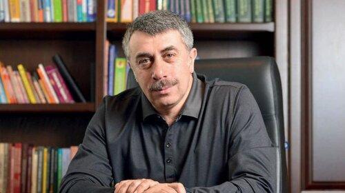 Доктор Комаровский рассказал, через какие предметы проще всего заразиться коронавирусом – это важно знать