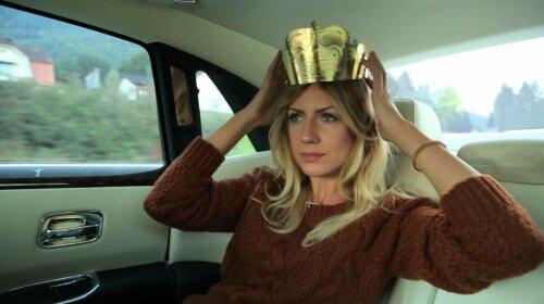 В дірявому светрі: Леся Нікітюк показала, як доїдає залишки їжі