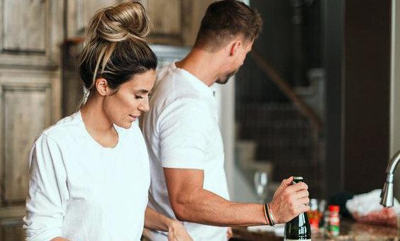 Совместимость Женщины-Водолея и Мужчины-Водолея в отношениях, в работе и дружбе