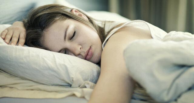 Ученые выяснили, что сон более 8 часов опасен для организма