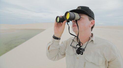 Білосніжні дюни і кришталева вода: вражаючі кадри самої незвичайної пустелі в світі