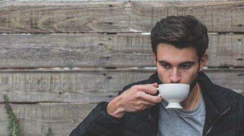 Ученые назвали самый полезный напиток для мужчин