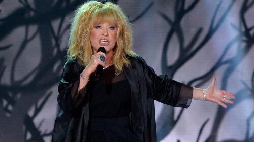 Не сдержала обещание: отказавшаяся от «новогодних огоньков» Пугачева спела на Первом канале