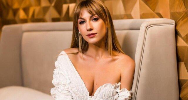 Леся Никитюк, ведущая, фото в бикини