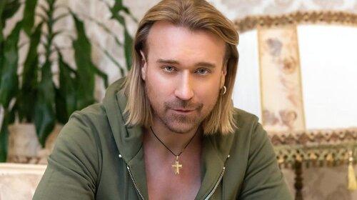 Фанатки в восторге!: 48-летний Олег Винник впервые сменил стиль – новый образ ошеломил (фото)