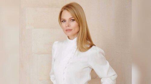 На підборах і в легкому платті: Ольга Фреймут похвалилася розкішним літнім образом