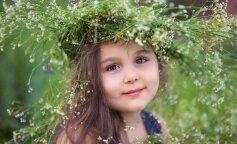 """Східна красуня: 7-річна дівчинка із Запоріжжя підкорила суддів танцем на проекті """"Діти проти зірок"""""""