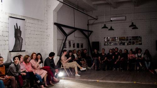 В Киеве состоялась уникальная премьера спектакля в полной темноте