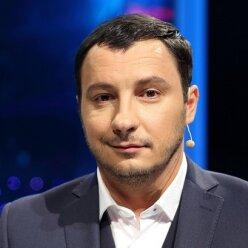 Экс-ведущий «Танцюють всі!» Дмитрий Танкович засветился с блондинкой в бикини