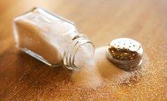 Эксперты рассказали о первых признаках переедания соли