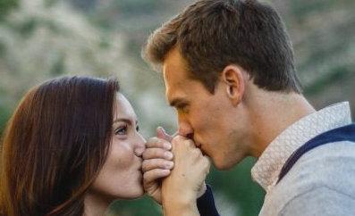 Мужчина Водолей и Женщина Лев: возможен ли крепкий брак?