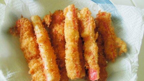 Оригинальное блюдо из крабовых палочек – сколько-бы не приготовили, их всегда будет мало