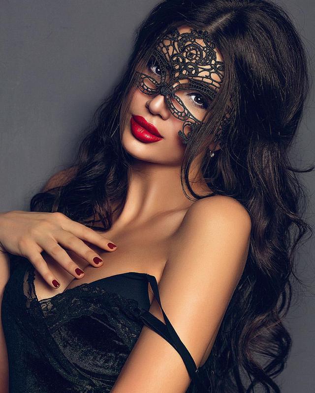 настоящее фотосессия в кружевных масках каждого участника