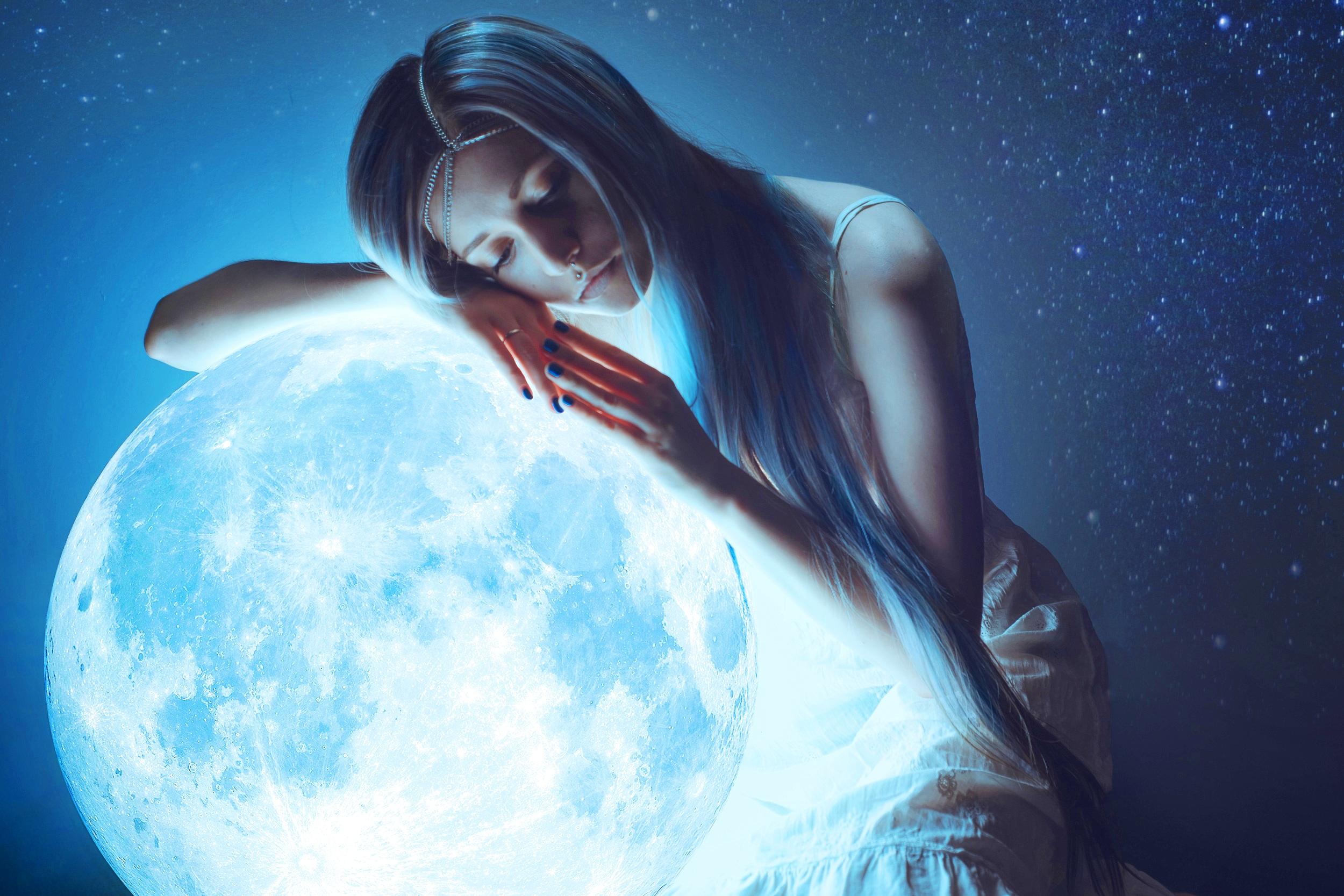 Женщины ночь луна картинки