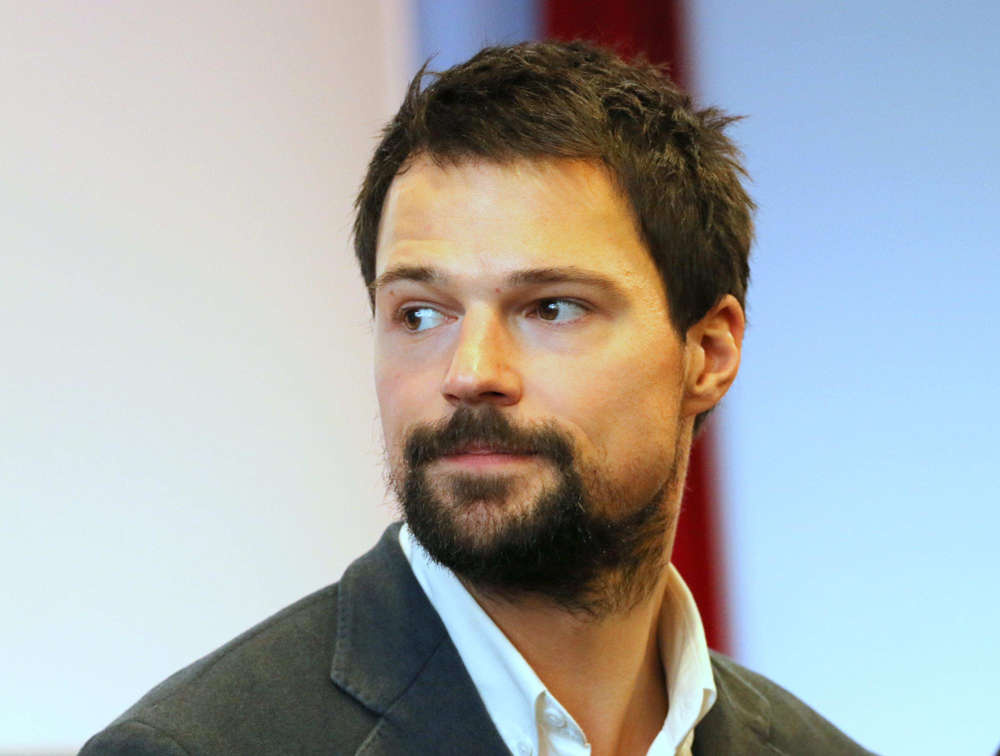 русские актеры с бородой фото халат можно
