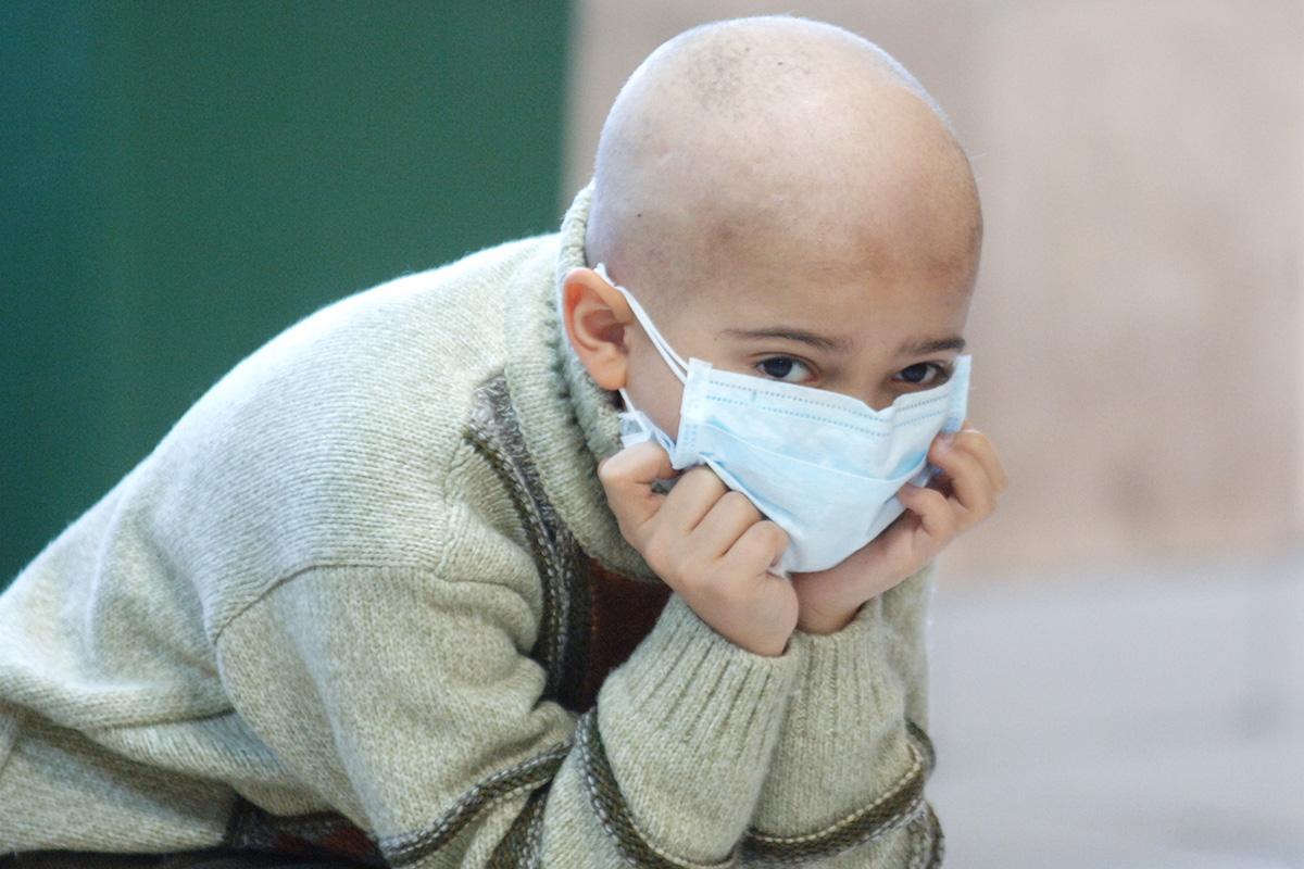 Специалист объяснил, почему дети болеют раком